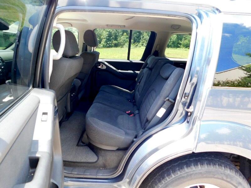 Nissan Pathfinder 4dr SE Auto 4WD 2005