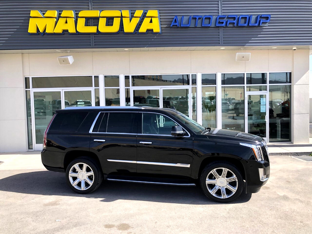 Cadillac Escalade Luxury 2WD 2016