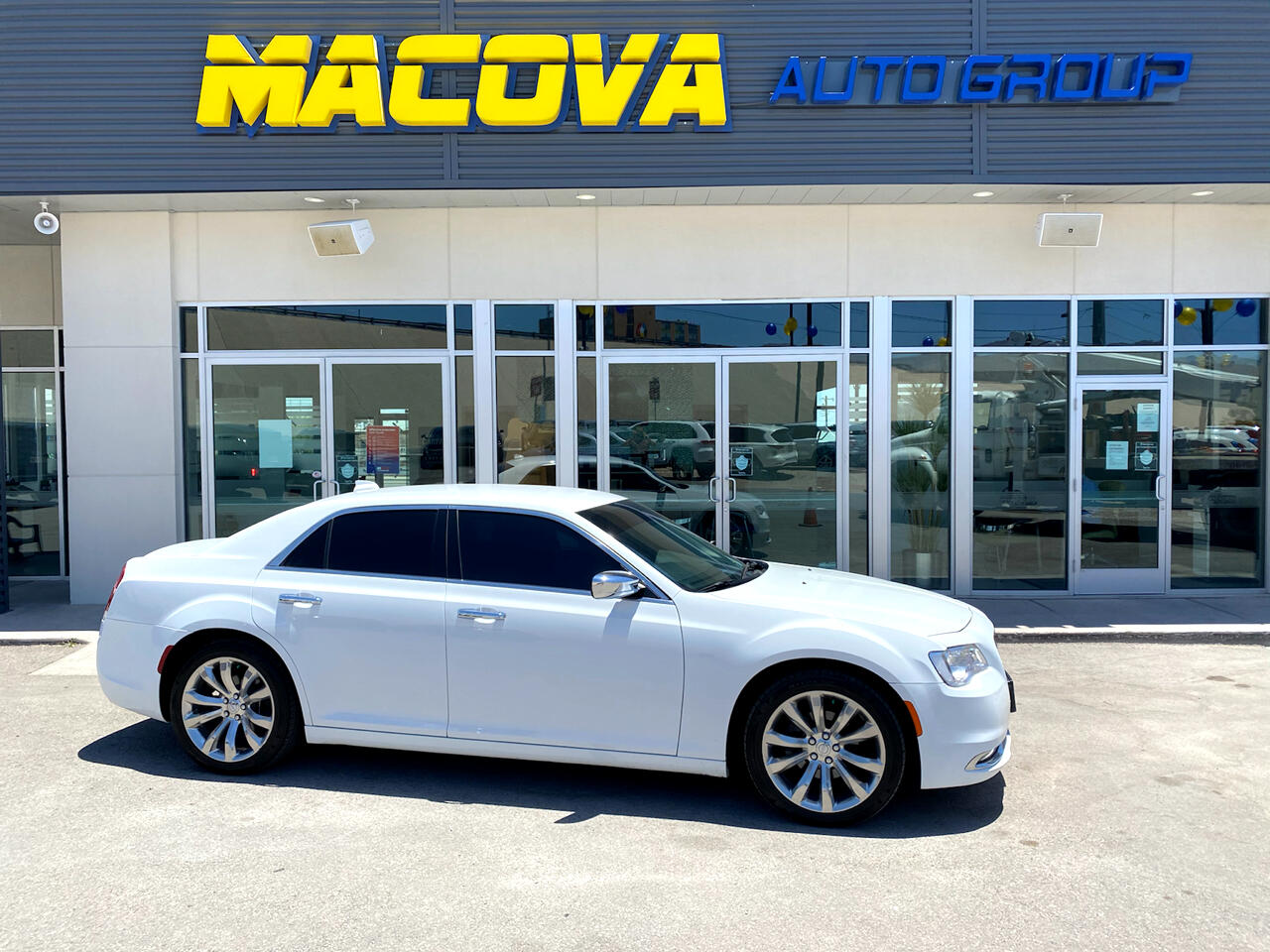 Chrysler 300 4dr Sdn 300 Limited RWD 2018