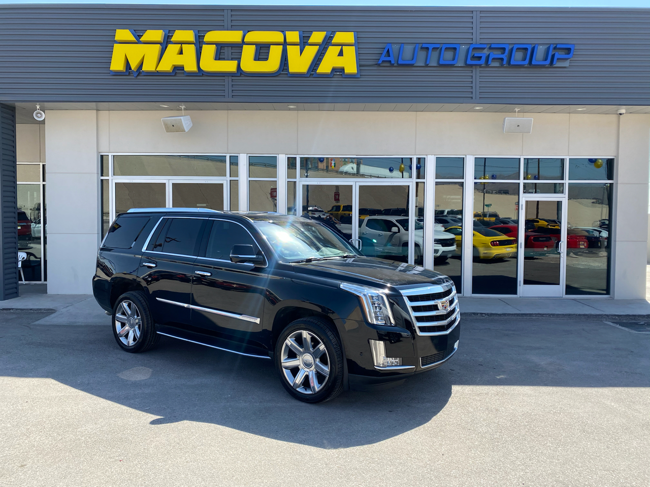 Cadillac Escalade Luxury 2WD 2017