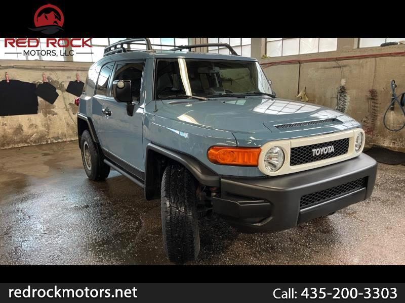 Toyota FJ Cruiser 4WD AT 2014
