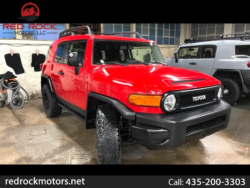 Toyota FJ Cruiser 4WD AT 2012