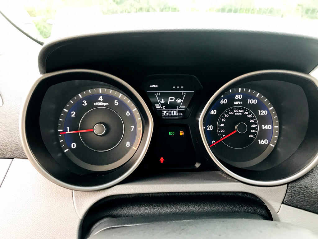 2016 Hyundai Elantra 4dr Sdn Limited Auto