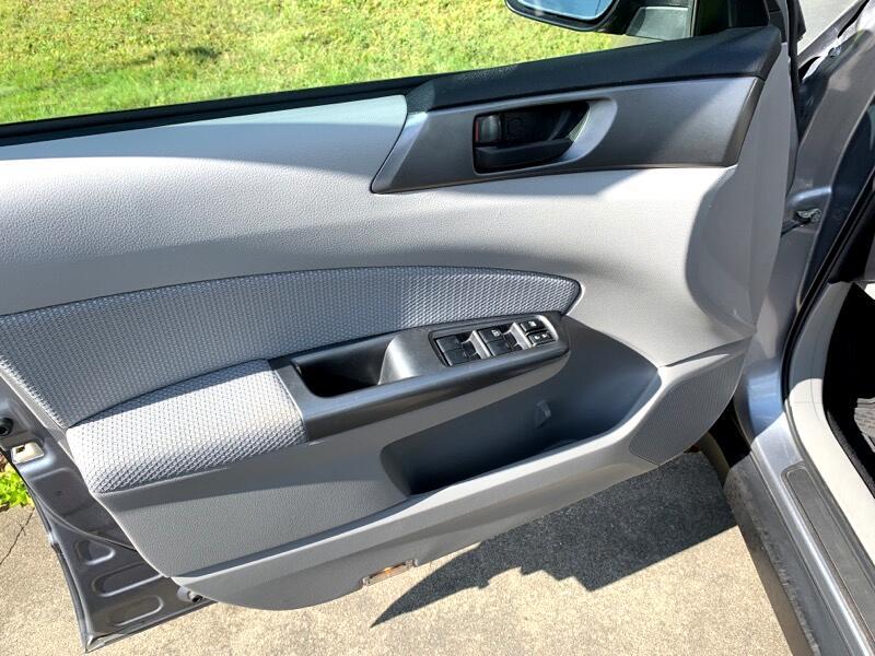 Subaru Forester 2.5X Touring 2011