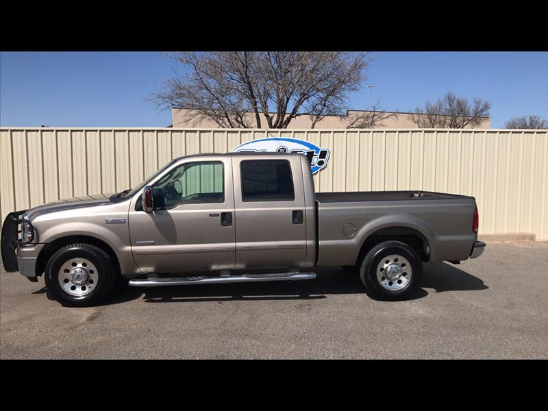 2006 Ford F-250 SD XLT Crew Cab Short Bed 2WD