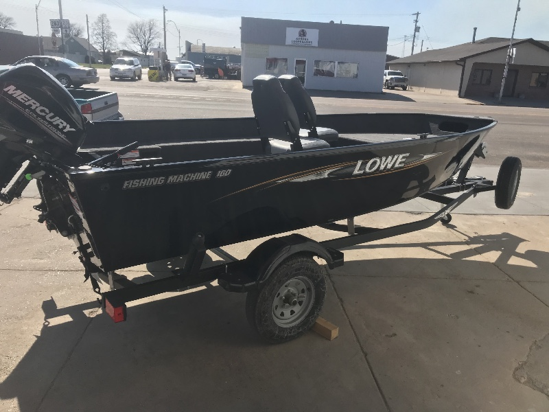 2018 Lowe Angler v-bottom