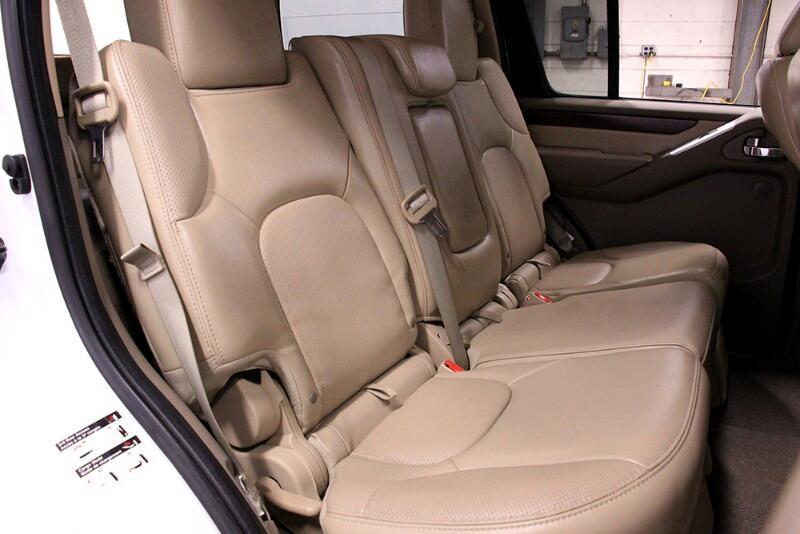 2012 Nissan Pathfinder LE 2WD