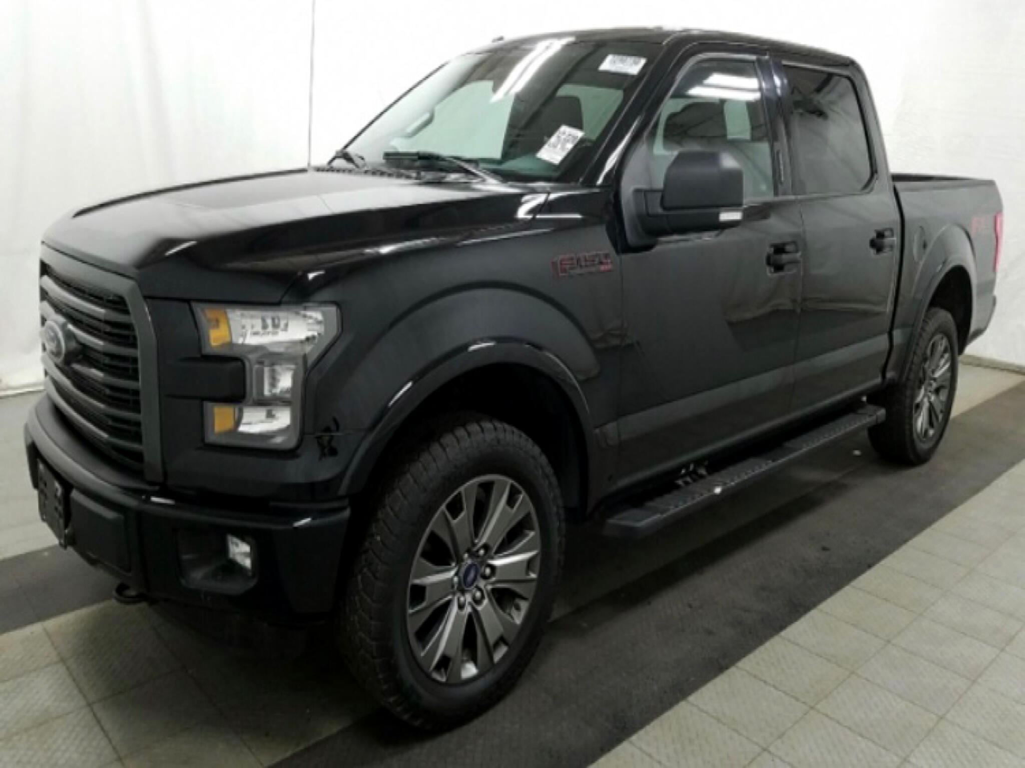 "2016 Ford F-150 4WD SuperCrew 139"" FX4"