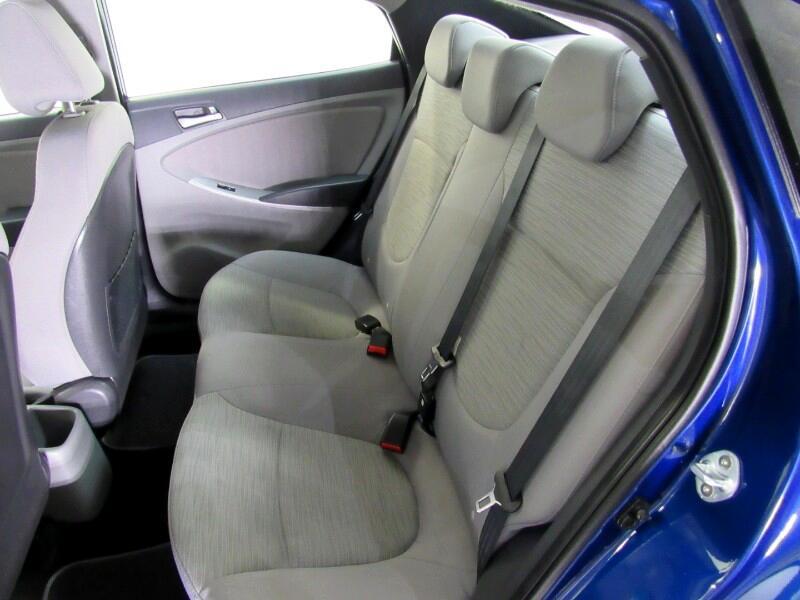 Hyundai Accent SE 4-Door 6A 2017