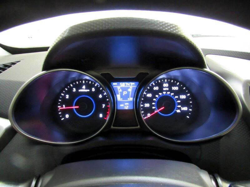 2016 Hyundai Veloster Base 6AT