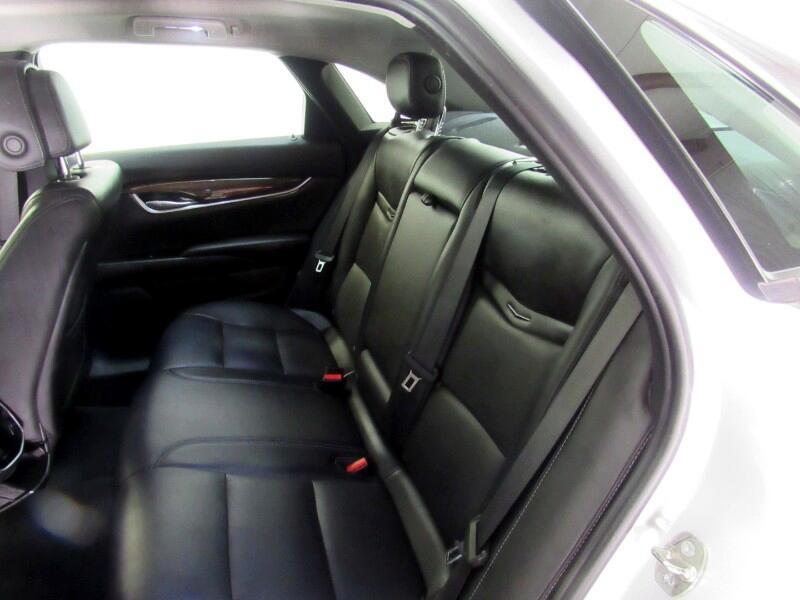 Cadillac XTS Luxury AWD 2013