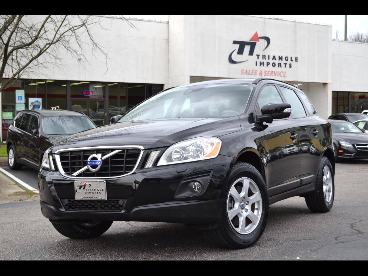 Volvo XC60 FWD 4dr 3.2L 2010
