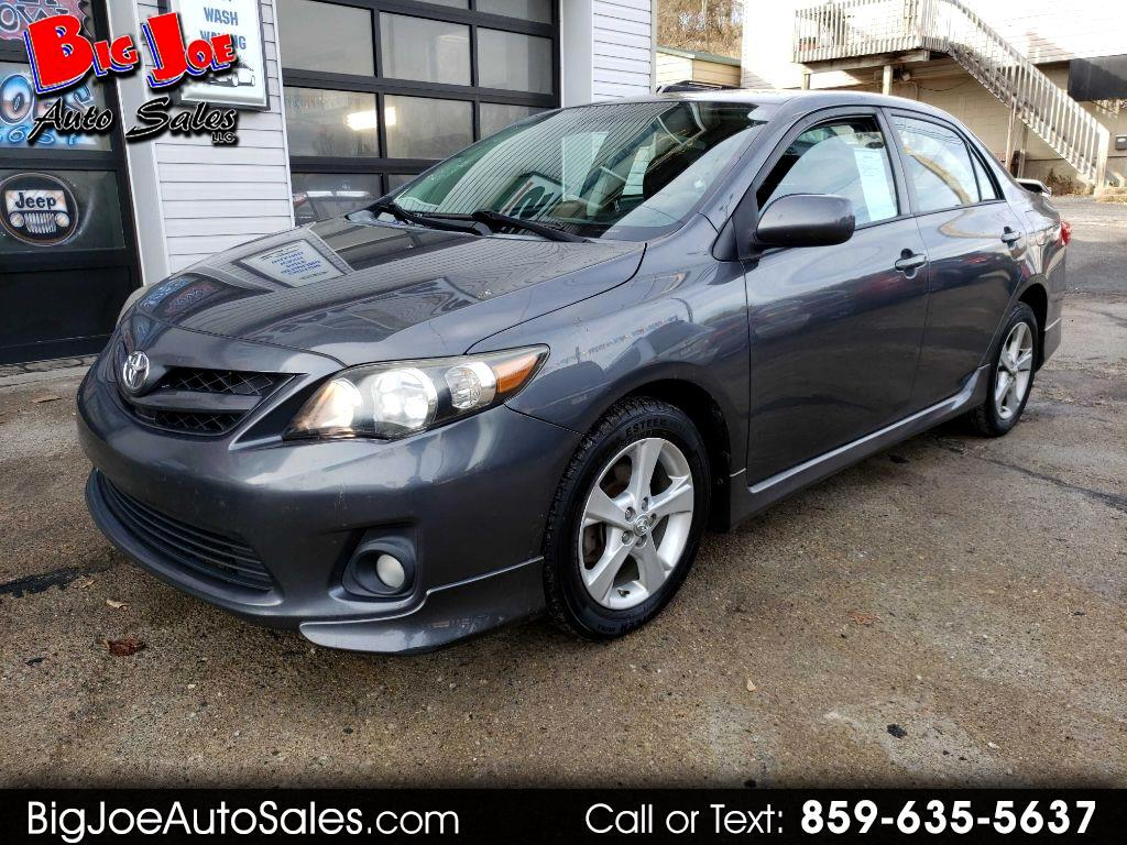 Toyota Corolla S 5-Speed MT 2011
