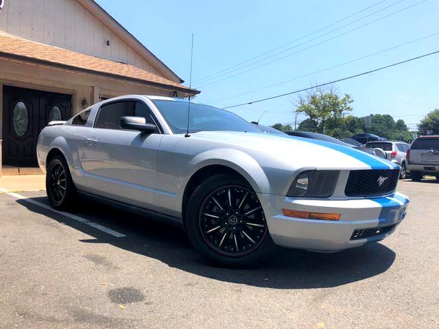 2007 Ford Mustang Deluxe Coupe 2D