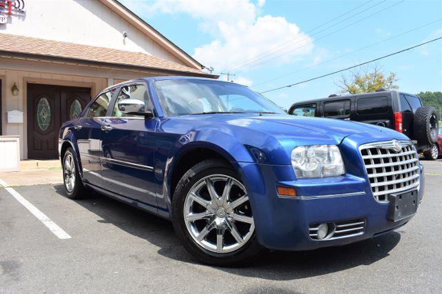 2010 Chrysler 300 Touring Signature Sedan 4D
