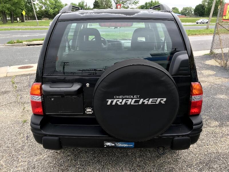 2004 Chevrolet Tracker 4dr Hardtop 4WD LT