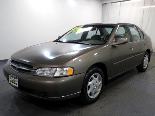 1999 Nissan Altima 4dr Sdn XE Manual
