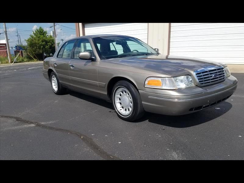 Ford Crown Victoria LX 2002