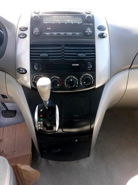 2010 Toyota Sienna CE FWD 7 Passenger