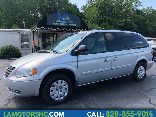 2006 Chrysler Town & Country 4dr LX FWD