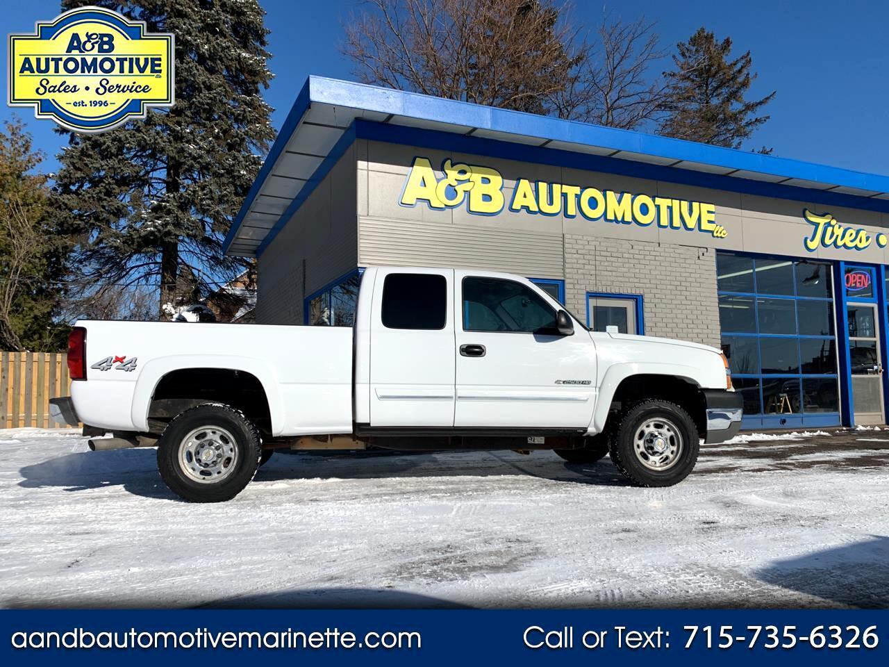 "Chevrolet Silverado 2500HD Ext Cab 143.5"" WB 4WD LS 2004"