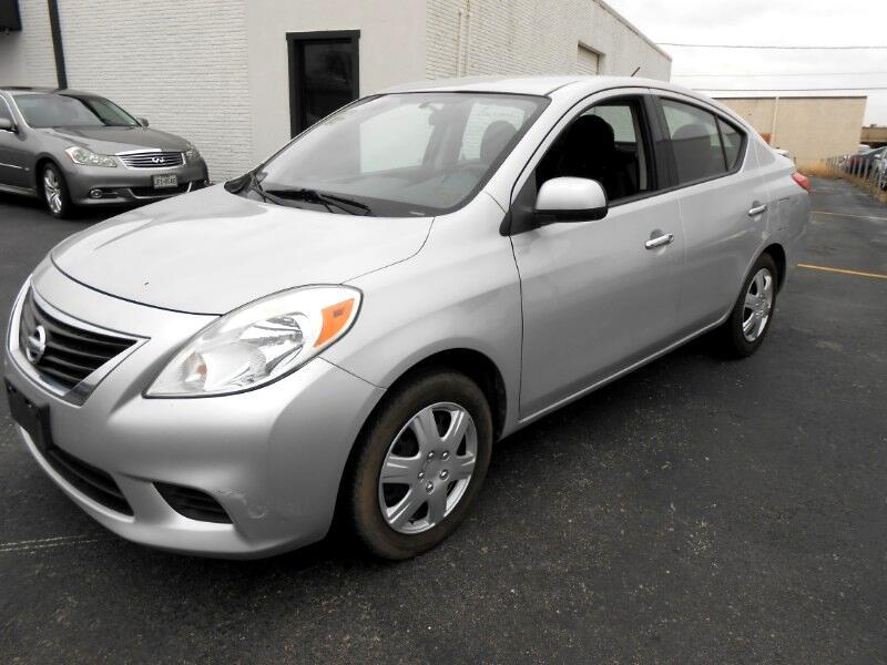 2014 Nissan Versa 1.6 S Plus