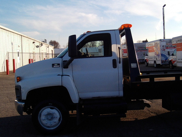 2005 Chevrolet C6C042 20 foot bed