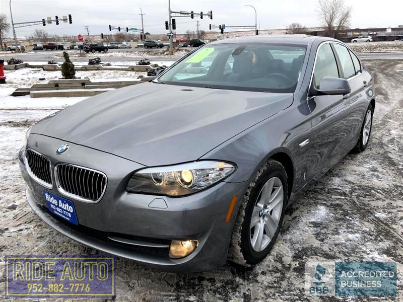 2011 BMW 528i 5 Series, 4 door, 3.0 liter 6cyl, EXTRA NICE !