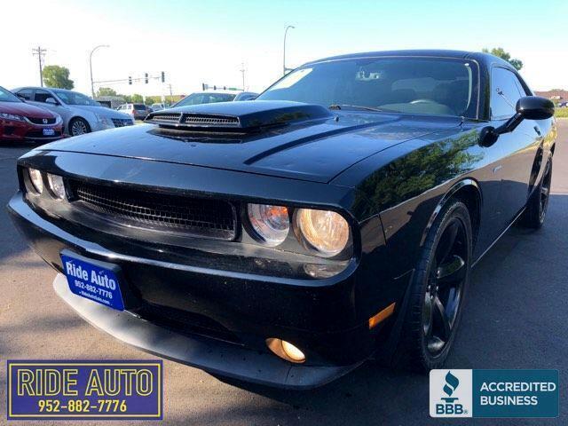2014 Dodge Challenger RT, 2 door, 390HP 5.7 HEMI V8, nice !