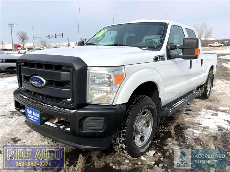 2012 Ford F250 XLT, Crew cab 4dr, SHORT BOX, 4x4, Gas 400hp V8 !
