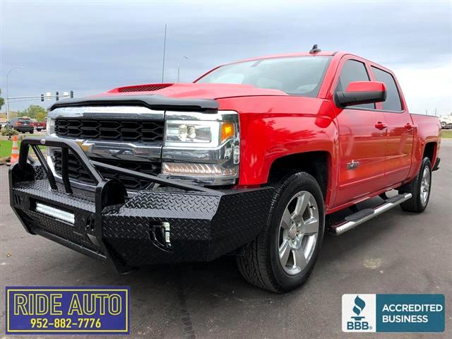 2017 Chevrolet Silverado 1500 LT, Crew cab 4dr, SHORT BOX, 5.3 V8, LOW MILES !