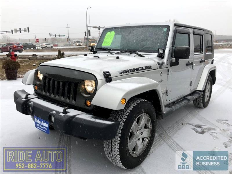 2010 Jeep Wrangler Unlimited Sahara, 4 door, 4x4, 3.8 V6, CLEAN !