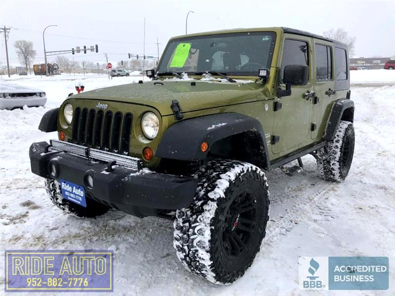 2010 Jeep Wrangler Unlimited LIFTED 4X4, 4 door, V6, nice !