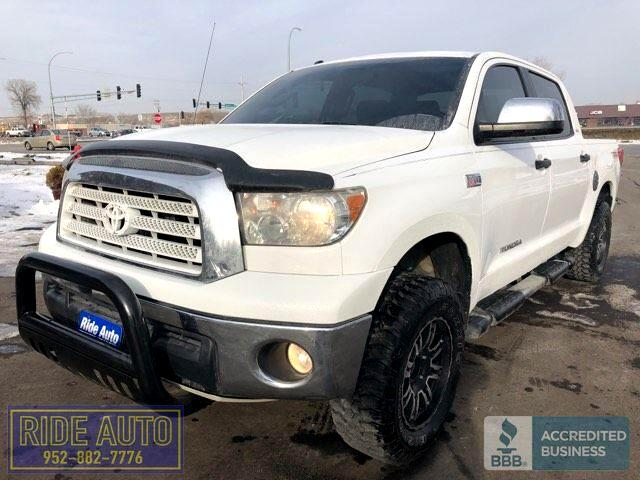 2011 Toyota Tundra Limited, Crew cab 4dr, 4x4, 5.7 iForce V8, nice !