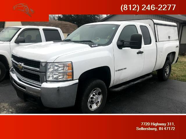 2007 Chevrolet Silverado 2500 Work Truck Pickup 4D 8 ft