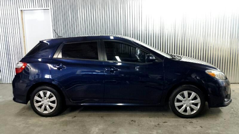 2012 Toyota Matrix L 5-Speed MT