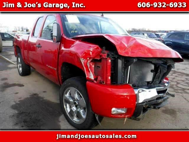 2011 Chevrolet Silverado 1500 LT Ext. Cab 4-Door Short Bed 4WD
