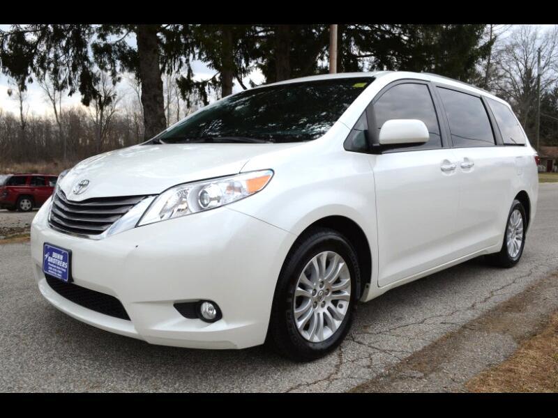 2016 Toyota Sienna XLE Premium 8-Passenger
