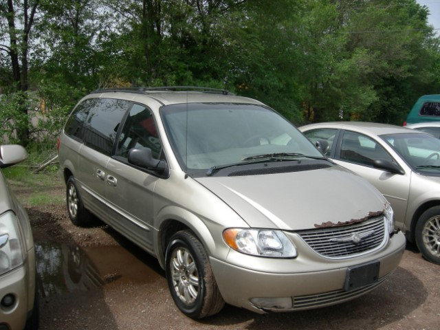 2002 Chrysler Town & Country LXi AWD