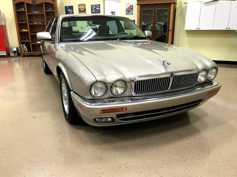1996 Jaguar XJ Sedan XJ6