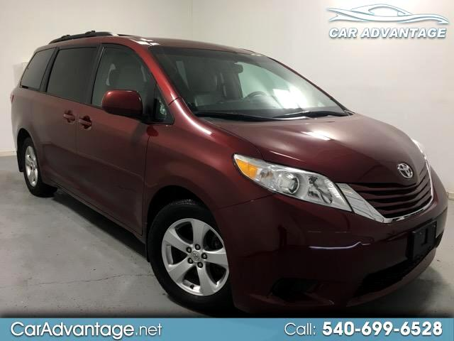 2015 Toyota Sienna LE 8-PASSENGER **ONE OWNER SUPER CLEAN AND LOW MIL