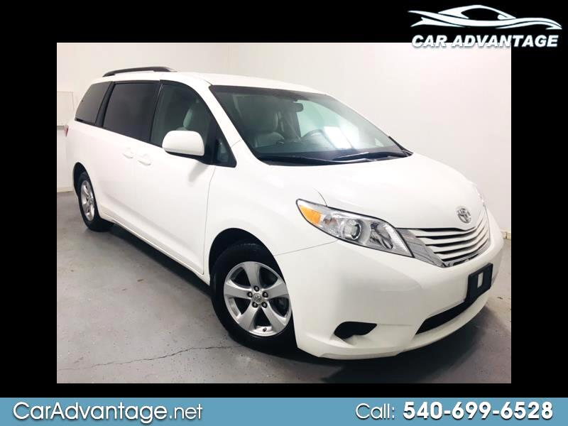 2017 Toyota Sienna LE 8-PASSENGER **ONE OWNER SUPER CLEAN AND LOW MIL