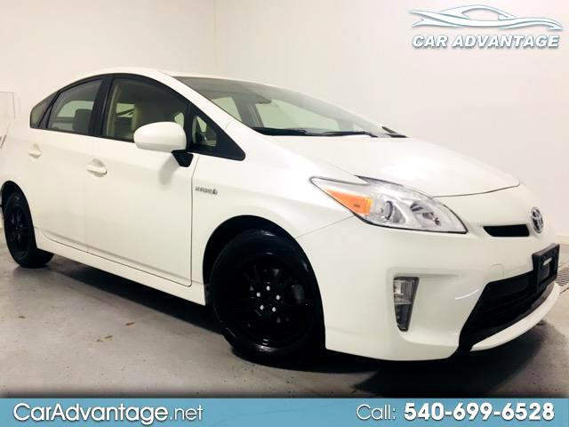 2015 Toyota Prius THREE  **SUPER CLEAN**