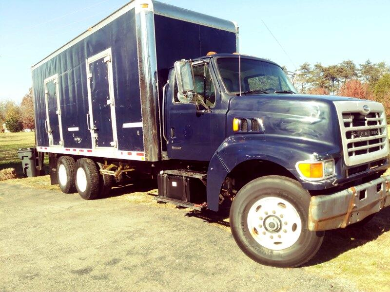 2003 Sterling LT8500 2003 Sterling 22' Tandem Axle Box Truck CAT Motor