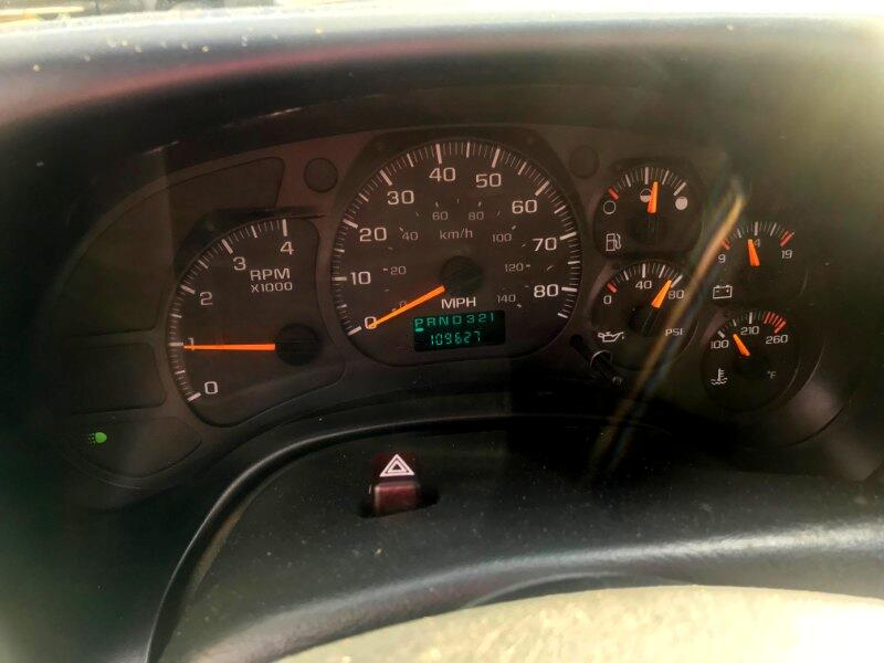 2004 Chevrolet C7500 2004 CHEVROLET C7500 CREW CAB CRANE TRUCK