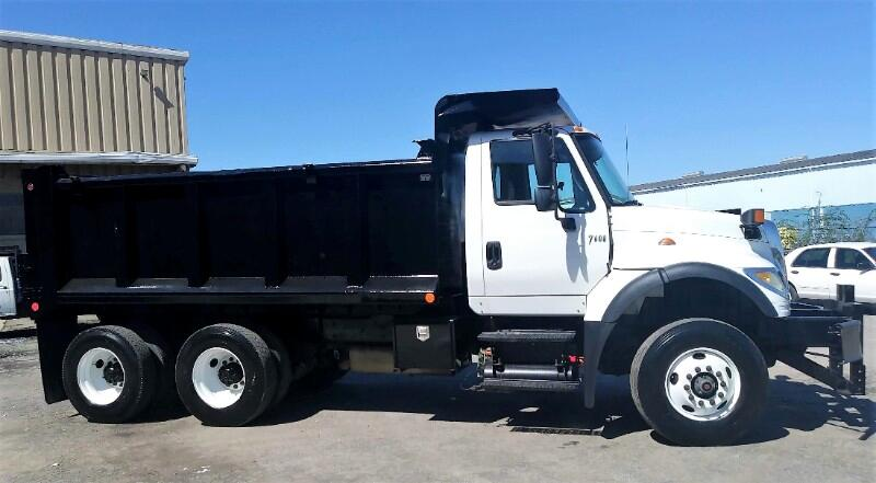 2006 International 7600 2006 INTERNATIONAL DUMP TANDEM AXLE 37K MILES EXC