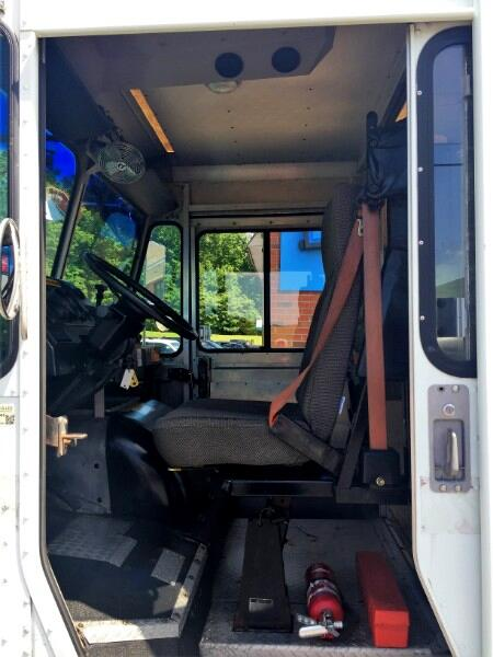 2002 Freightliner MT45 Chassis