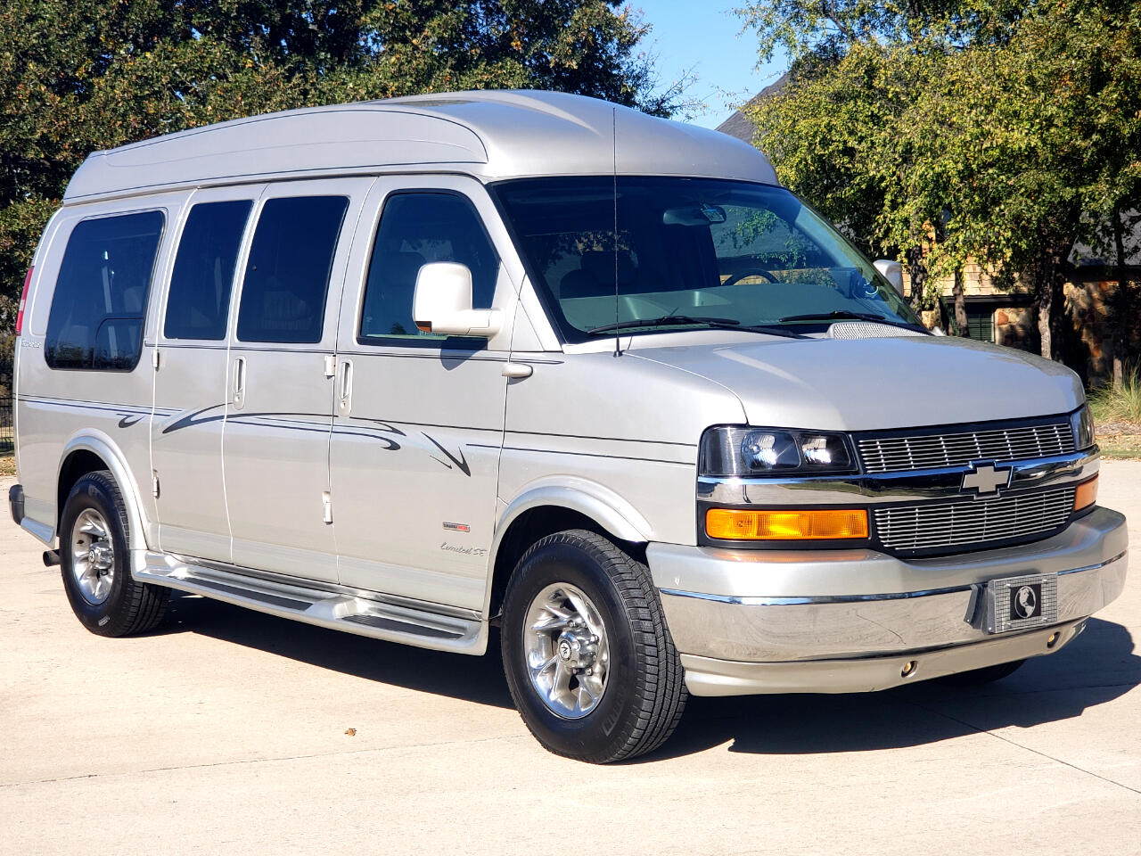 2007 Chevrolet Express Diesel Explorer Hightop Conversion Van!