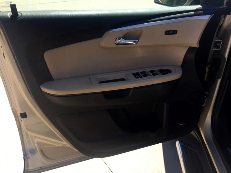 2012 Chevrolet Traverse LTZ FWD