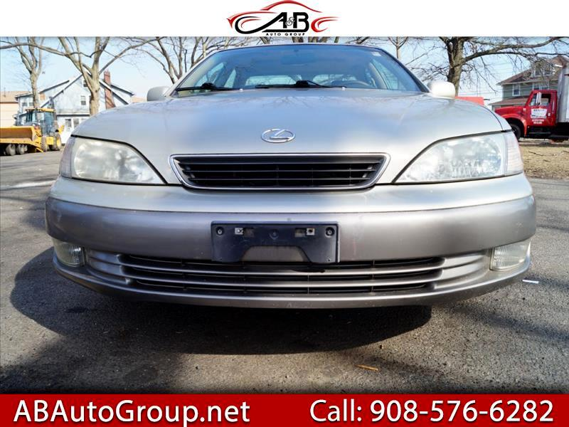 Lexus ES 300 Base 1997